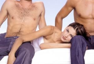 sex in trei barbat